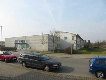 Produktions, Büro und Lagerhalle