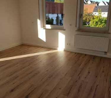 Erstbezug nach Sanierung: ansprechende 3,5-Zimmer-Wohnung mit Balkon in Diedorf-Biburg