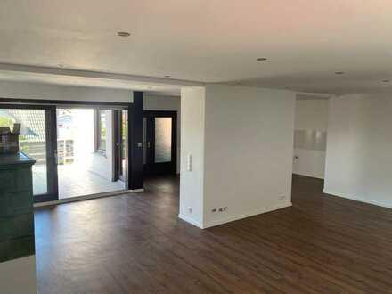 Moderne 2,5-Zimmer-Wohnung mit Terrasse
