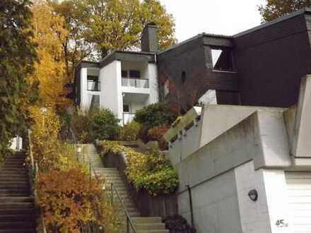 Was für eine Aussicht! - Exklusives Domizil in Top-Lage von Siegen-Weidenau