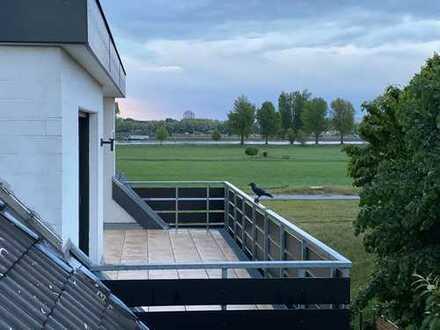5-Zimmer-Maisonettewohnung mit Tiefgaragenplatz und 2 Terrassen in Niederkassel