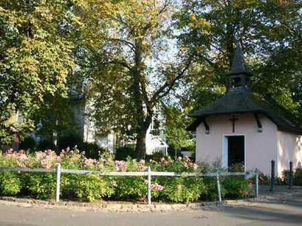Schöner Wohnen im Rüngsdorfer Villenviertel! Exklusive Drei-Zimmer-Mietwohnung mit großer Terrasse