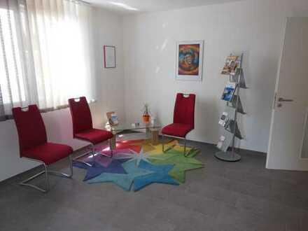 Schöne, helle Büro/Praxisräume, zentrumsnahe