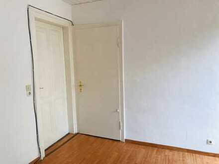18m2 Zimmer in Altbau in der Südstadt