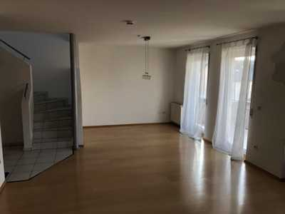 Helle 2-Zimmer-Maisonette-Wohnung mit zwei Balkon in Kronau
