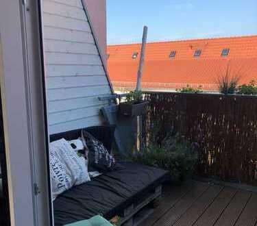 Moderne 2-Zi.-Dachgeschoss-Wohnung mit Loggia im modernisierten Altbau