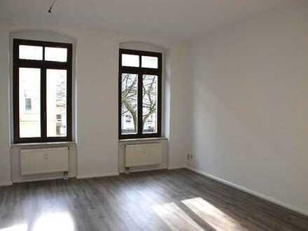 Provisionsfrei! 4-Zimmer-Traumwohnung im Zentrum! Neue Küche!