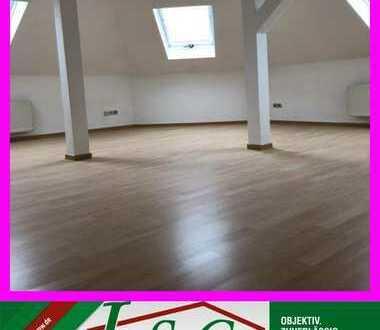 Inklusive KFZ-Stellplatz - Wohnen im Dachgeschoss - mit Liebe zum Detail!