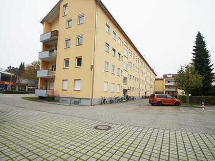 Freie 2,5-Zi.-DG-Wohnung mit Kfz-Stellplatz nahe Luitpoldpark in Ingolstadt.