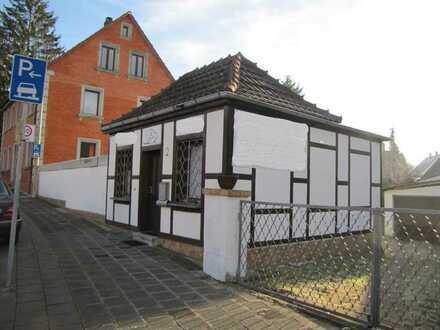 *kleine GEWERBEEINHEIT* mit vielfältigen Nutzungsmöglichkeiten direkt im Ortskern von Reichelsdorf