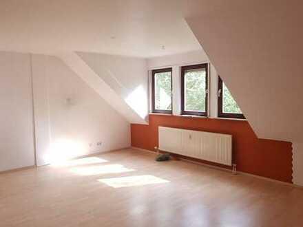 MA-Wallstadt - 2 Zimmer Dachgeschoßwohnung mit ca. 68 m² Wohnfläche