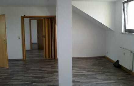 Oelsnitz/Vogtland! Dachgeschoss - 4 Zimmerwohnung mit sehr schöner Ausstattung!
