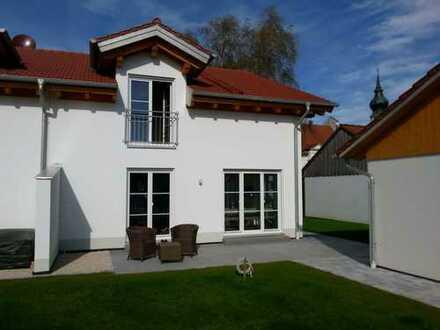 Schöne Doppelhaushälfte mit fünf Zimmern in Weil, Landkreis Landsberg am Lech, Erstbezug