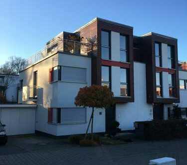 Hochwertige 5-Zimmer-Doppelhaushälfte mit EBK im Paulusviertel, Darmstadt