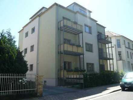 Schicke 3-Zimmer-Wohnung mit Balkon und tollem Bad - ruhige Lage