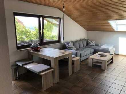 Schorndorf - Süd 1,5 DG - Appartment, ruhige Lage Wohn. - Aussichtslage in EFH Stellplatz, Balkon