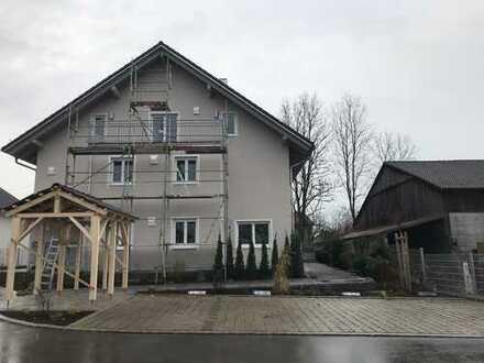 MH Immobilien-Neubau Erstbezug helle Dreizimmerwohnung in kleiner Wohnanlage