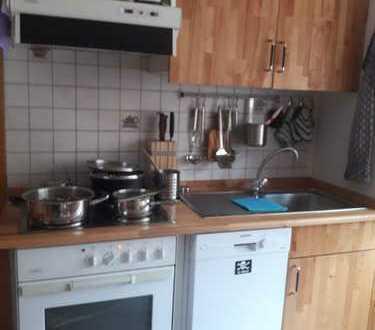 Ansprechende 2,5-Zimmer-Maisonette-Wohnung mit Balkon und EBK in Glückstadt