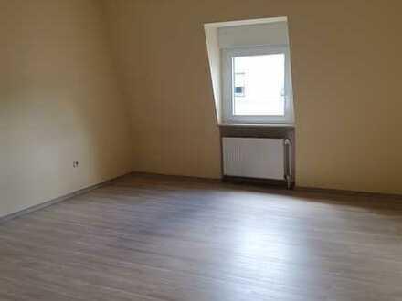 2 Zimmer-Single DG-Wohnung in Aschaffenburg Damm an berufstätige/n Nichtraucher ohne Haustiere