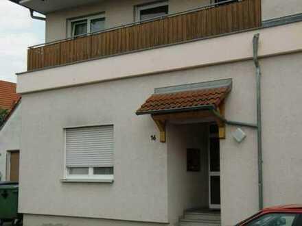 Preiswerte, geräumige und gepflegte 1-Zimmer-Erdgeschosswohnung mit Einbauküche in Drosendorf