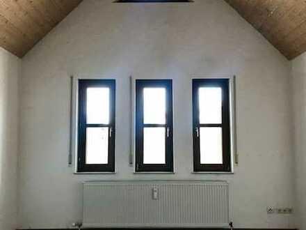Gepflegte 3-Zimmer-Dachgeschosswohnung mit Einbauküche in Grafenau