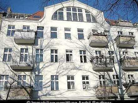ruhige 2-Zimmer-Terrassenwohnung (EG!) in saniertem Altbau