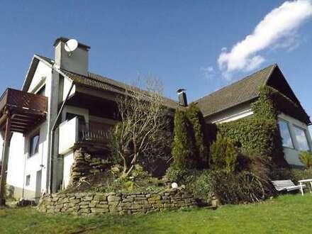 Außergewöhliches Haus + ELW mit sep. Eingang in Zentrumsnähe von Hilchenbach