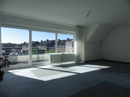 Lichtdurchflutete Maisonette-ETW im Zweif.haus mit 4 Zimmern, 2 Bädern, auf 117 m² + 100 m² Reserve