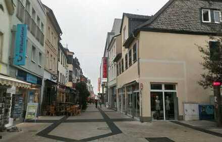Top LAGE, Fußgängerzone-Kreuzstraße, präsentieren Sie sich in Bestlage, Schaufensterfront im EG