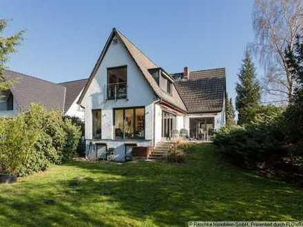 Traumhaftes Einfamilienhaus in Volksdorfer Villenlage