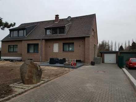 Modernisierte 3-Zimmer-Wohnung mit Einbauküche in Krefeld