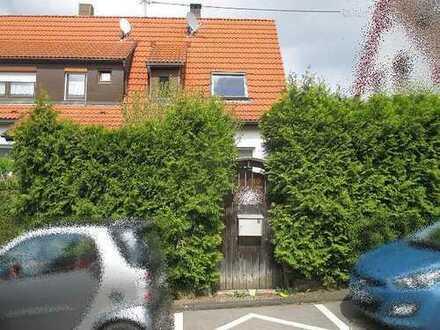 Schöne Doppelhaushälfte vier Zimmern in Filderstadt Bonlanden - Zwangsversteigerungsobjekt