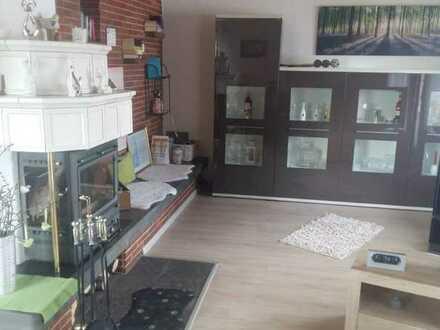 Gepflegte Wohnung mit drei Zimmern sowie Balkon und EBK in Friolzheim , kein Makler !