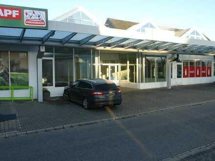 Ladenlokal mit großem Verkaufsraum und Schaufensterfront in exponierter Lage von Emmelshausen