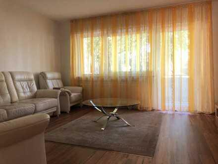 Feine 2-Zimmer Erdgeschosswohnung mit Balkon, verkehrsgünstig gelegen