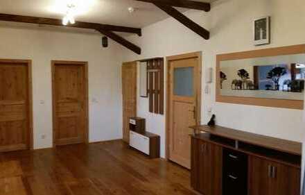 Kuschelige Dachgeschosswohnung mit möbl. Küche in Bogel