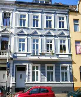 Schöne und geräumige 2 Zimmer Wohnung mit Balkon!