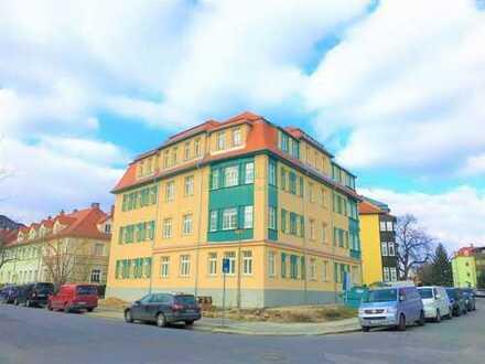 3 Raum Wohnung Dachgeschoss im Villenviertel von Bautzen zu vermieten.