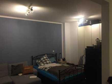 Möbilierte 1,5-Zimmer-Wohnung mit großer Terrasse zur Zwischenmiete (6 Monate) in Schwabing