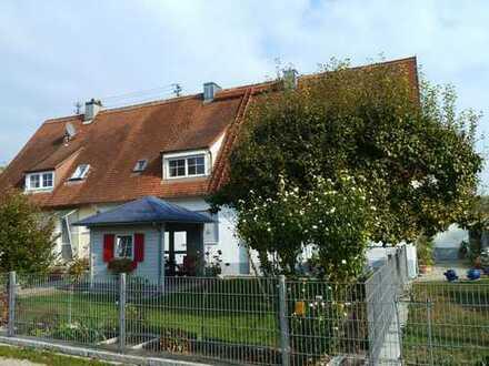 Gemütliche 2-Zimmer-Dachgeschosswohnung mit EBK in Neuburg-Herrenwörth