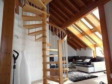 2,5 ZW- Atelierwohnung, mit Galerie inkl. EBK und unverbaubarem Ausblick über Erlensee!