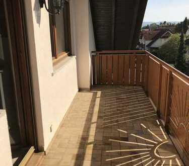 3 Zimmer DG mit Balkon, Top Lage in Großostheim