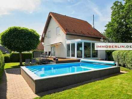 IMMOBERLIN: Sehr adrettes Einfamilienhaus in mehrfach angenehmer Lage
