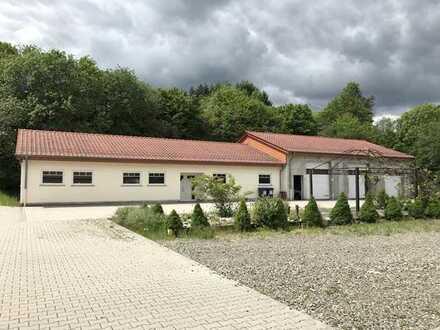 Moderne barrierefreie Büro-/ oder Praxisräume in verkehrsgünstiger Lage in Freisen zu vermieten!