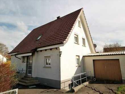 Familienfreundliches Haus mit großem Garten und Garage!