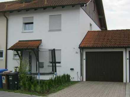Modernisierte Doppelhaushälfte mit fünf Zimmern und EBK in Simbach am Inn