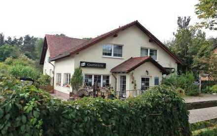 Wohnen & arbeiten unter einem Dach: EFH (inkl. Gewerbe) auf traumhaftem Grundstück in Grünefeld