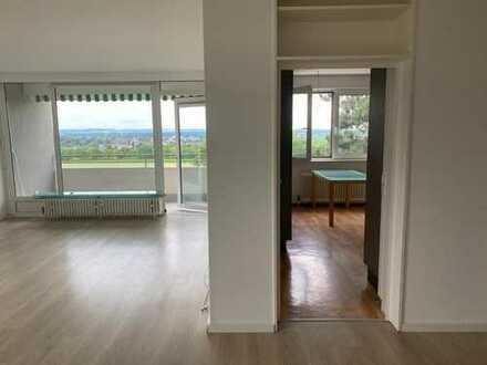Sehr schöne und helle, geräumige vier Zimmer Wohnung in Bad Salzuflen