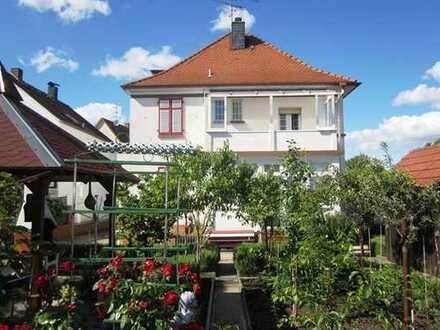 Charmantes freistehendes Einfamilienhaus in ruhiger Wohnlage von Babenhausen!