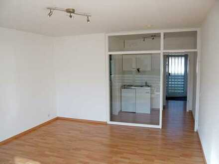 Renovierte u. ruhige 40m²-2-Zimmer-Wohnung mit Balkon u. Pantryküche in Coerde